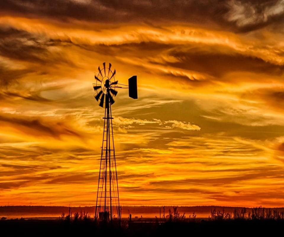 Windmill-in-the-Sunset