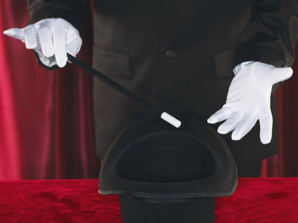 magician-s-hands_1600x1200_35734